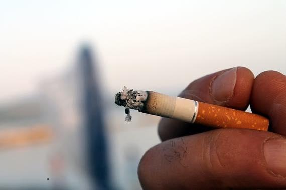 タバコの吸いすぎは中折れや勃たない原因