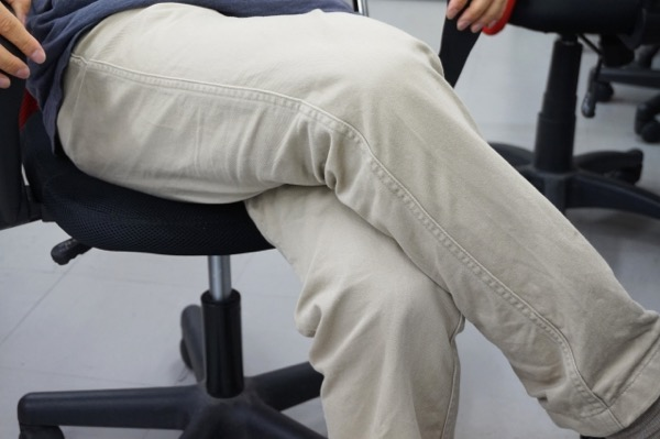 座りっぱなしのデスクワーク中でも実践できるED対策